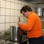 Zivilschutz-Koch an der Arbeit
